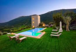 Villa-with-amazing-viewMurlo-Villa-Torre-Michel (13)