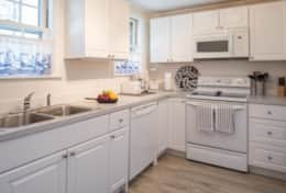 Bright, airy kitchen  - perfect for cooking meals