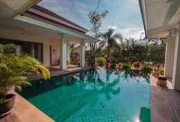 Baan Lotus Swimming Pool