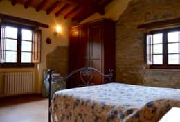 luxuryvacationvillaumbriatuscanyborder-bedroomfirstfloor4