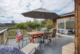 Coonawarra Outdoor Deck - Good House Holiday Rentals