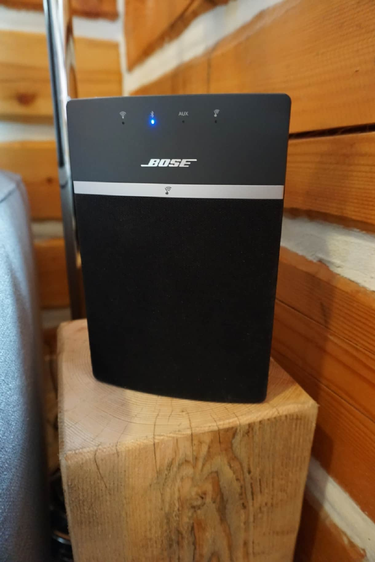 A high quality Bose bluetooth/audio input sound system