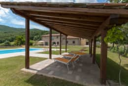 Holiday-in-Tuscany-Poppi-Villa-Borgo-Bibbiena (7)