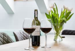 Dining table - Wine