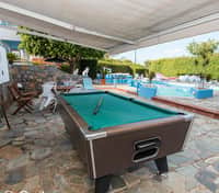 pool-bar--v9527901-sq-200 POOL TABLE 1 VILLA ANNA HOTEL