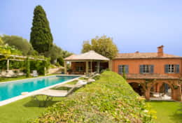 Luxury rental villa outside Grasse