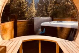 7-person sauna with views galore!