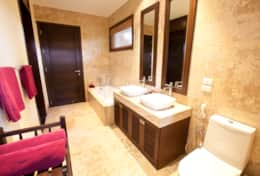 Baan Fuangfah Bathroom 1