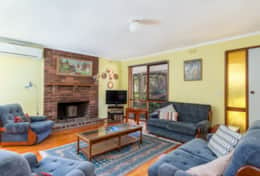 Cute And Cosy Loungeroom Yia Yia's House  Good House Holiday Rentals