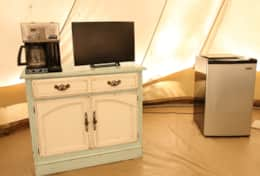 Coffee machine and television with Netflix- deluxe bell tent