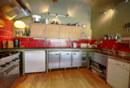 Well equipped commercial style kitchen - joy for keen cooks.