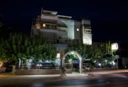 zoi_studios_building_view_night