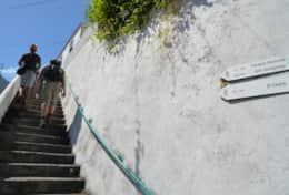 Access stairs / escaleras de acceso