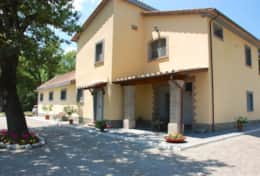 Modern villa near Orvieto for holidays in Umbria, large grounds and private pool