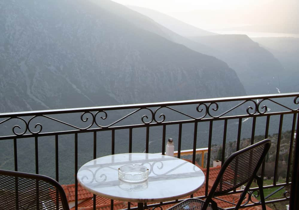 hotel-varonos-delphi-single-room-sea-view