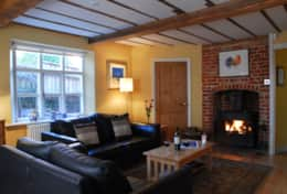 Admiral Cottage - Living Room