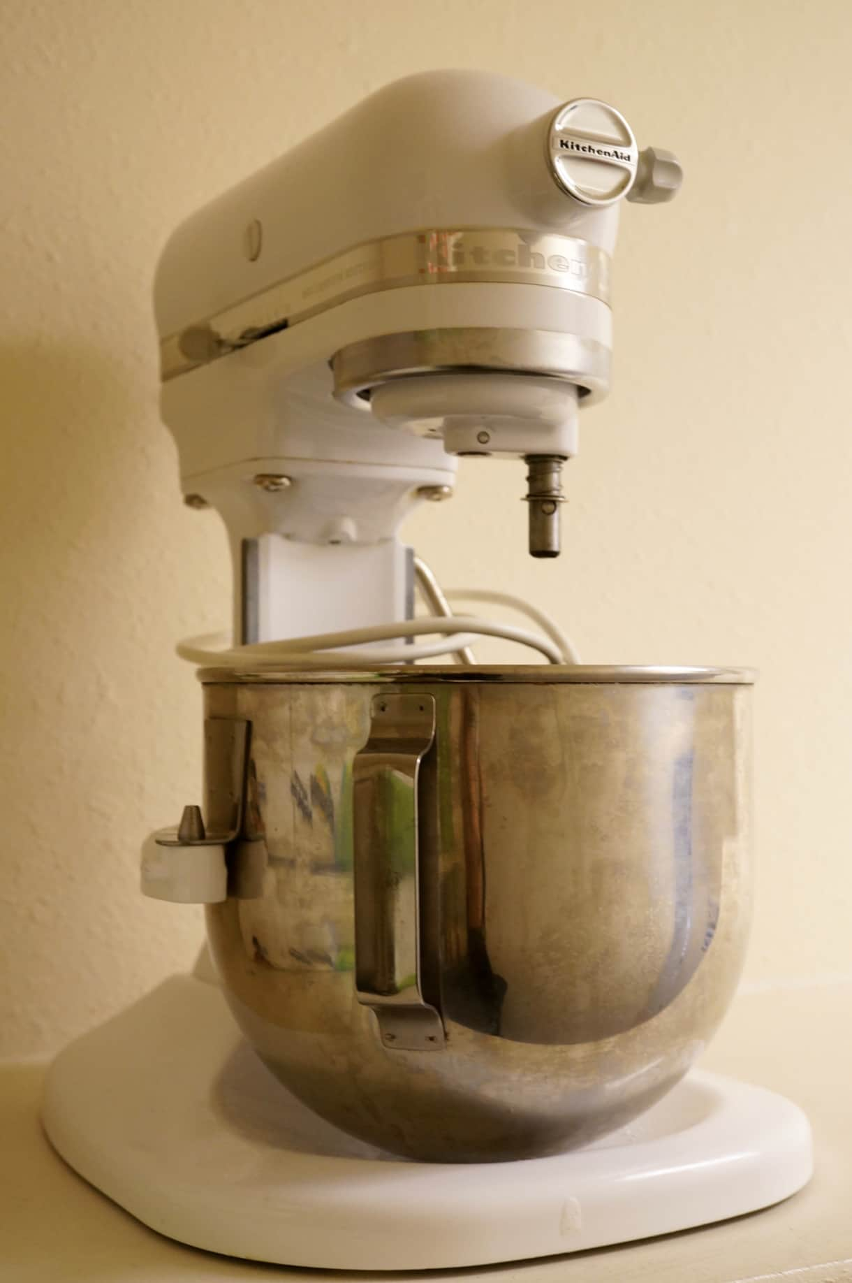 Kitchen-Aid stand up mixer