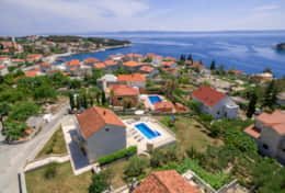 Exclusive Private Villas, 4 Bedroom Villa in Brac (CRO105)