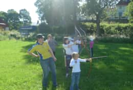 K39 Thistle Cottage - You can take archery lessons and pretend to be Robin Hood in the forest
