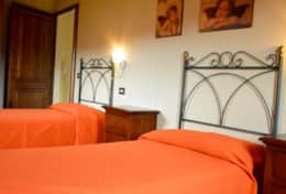 luxuryvacationvillaumbriatuscanyborder-bedroomsecondfloor2