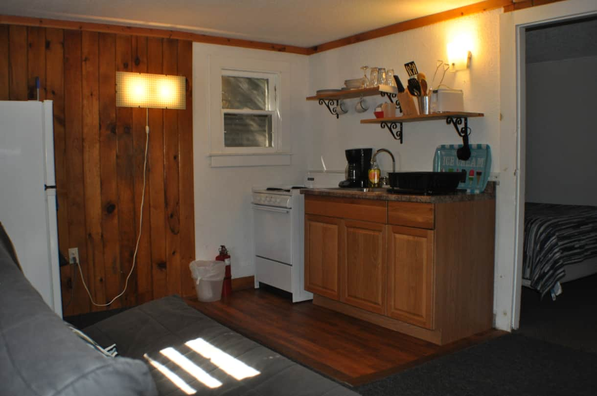 cottage 6 kitchenette