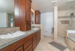 Huge master bathroom with double bowl vanity and separate shower and tub!